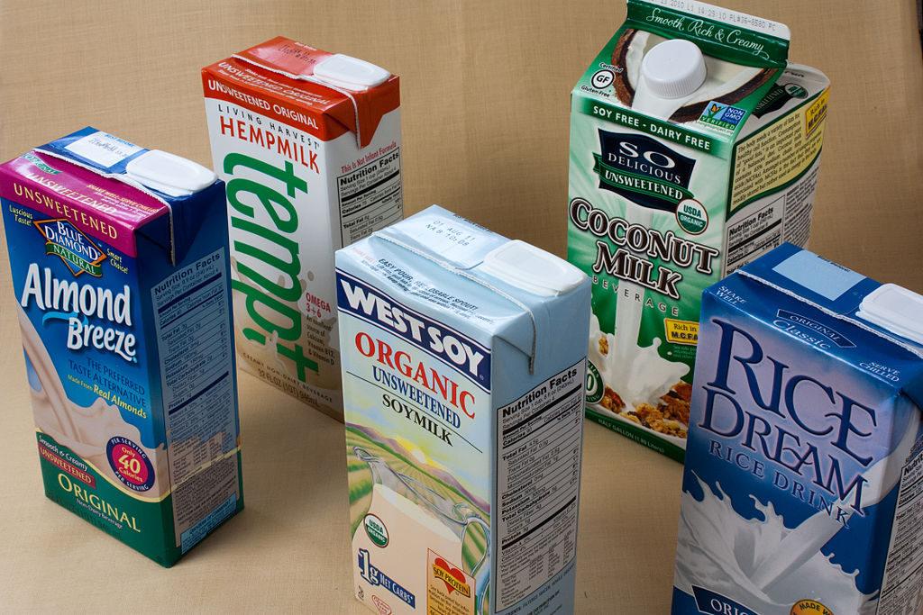 Non-Dairy_Milk_(5082987978)